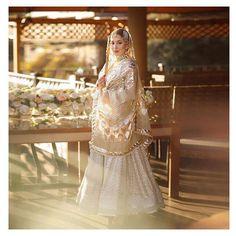 Pakistani Wedding Outfits, Indian Bridal Outfits, Pakistani Bridal Dresses, Wedding Dresses For Girls, Pakistani Dress Design, Formal Dresses, Indian Bridal Photos, Wedding Photos, Indian Gowns Dresses