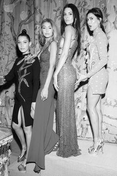 Bella, Gigi, Kendall and Hailey - 2015 Met Gala, New York (05/04/2015)