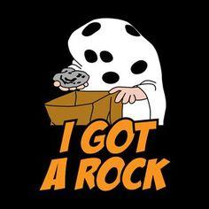 charlie brown halloween quotes i got a rock - Goog Charlie Brown Thanksgiving, Charlie Brown Halloween, Great Pumpkin Charlie Brown, Peanuts Halloween, Halloween Cans, Halloween Boo, Happy Halloween, I Got A Rock, Halloween Adventure