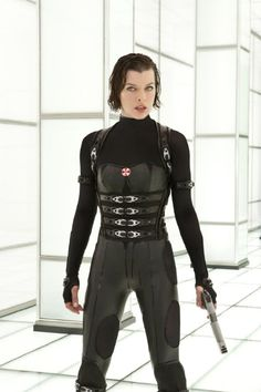 still of milla jovovich in resident evil retribution