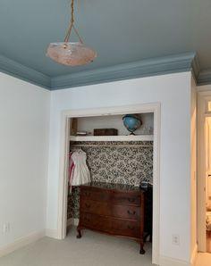 Blue Ceiling Bedroom, Accent Ceiling, Dark Ceiling, Blue Ceilings, Bathroom Ceiling Paint, Bedroom Decor, Ceiling Paint Colors, Colored Ceiling, How To Paint Ceilings