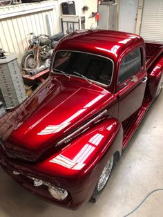 Old Ford Pickup Truck, 1948 Ford Truck, American Pickup Trucks, Ford Pickup Trucks, Chevy Trucks, Chevy Motors, Vintage Red Truck, Classic Pickup Trucks, Us Cars
