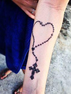 Tattoo Herz mit Jesus Kreuz