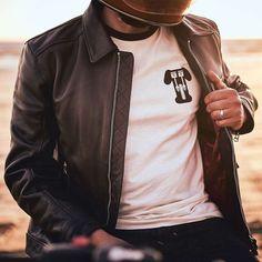 Triumph Sprocket T Shirt - New Bone / Black Triumph Motorcycles, Indian Motorcycles, Triumph Motorcycle Clothing, Motorcycle Outfit, Motorcycle Jacket, Mv Agusta, Triumph Leather Jacket, Biker Chic, Biker Style