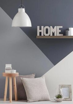 Accent wall ideas for you and your home or room. You can save and share all accent wall decorating pictures. There are easy and cheap ways of . Wall Design, House Design, Style Deco, Trendy Home, Living Room Grey, Modern Interior Design, Gray Interior, Modern Interiors, Design Interiors