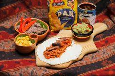 Selbstgemachte Tortillas mit Sojahack-Salsa, Guacamole und Frijoles Refritos @ Veganitäten Guacamole, Salsa, Tortillas, Veggie Recipes, Tacos, Mexican, Ethnic Recipes, Food, Homemade