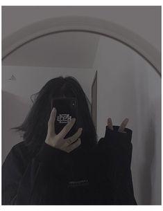 Korean Girl Photo, Cute Korean Girl, Cute Girl Photo, Girl Photo Poses, Girl Photography Poses, Face Aesthetic, Bad Girl Aesthetic, Cute Selfie Ideas, Girl Hiding Face