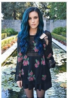 Girls With Blue Hair : Photo her hair is GORGEOUS!!