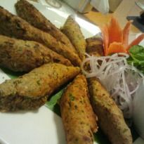 #Soya Seekh: Vegetarians rejoice, here's for you a simple and speedy recipe of seekh #kebabs made with soya nuggets.