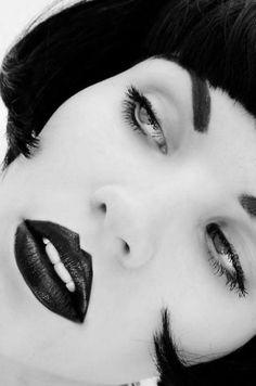 Dark Lipstick #redlips #blackhair #brunette