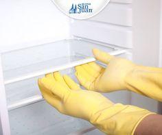Para limpiar el refrigerador y quitarle los malos olores solo basta preparar una solución de agua con vinagre y bicarbonato de sodio. ¡Quedará como nuevo! #TipCocina