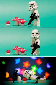 Stormtrooper Storm Trooper Tripping on Mushrooms. Lego Storm Trooper Tripping on Shrooms Lego Star Wars, Star Trek, Legos, Leprechaun, Dark Vader, Aniversario Star Wars, Star Troopers, Clone Trooper, Lego Stormtrooper