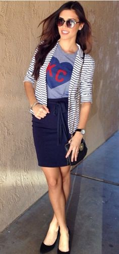 Charlie hustle KC heart tee paired with pencil skirt, black shoes, and jacket. Classy, simple and vintage. Nice work Karely. Follow karelystips on Instagram.