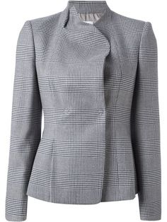 Compre Armani Collezioni Blazer xadrez em Spinnaker 141 from the world's best independent boutiques at farfetch.com. Over 1000 designers from 60 boutiques in one website.