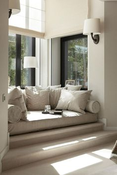 27 Inspirational Ideas for Cozy Window Seat It is so nice to read an interesting book. Do you already have the perfect spot for it? We have 27 ideas how you can design your window seat. Dream Home Design, Home Interior Design, Interior Decorating, Window Decorating, Interior Colors, Interior Ideas, Decorating Ideas, Contemporary Interior, Contemporary Style
