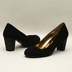 Black low pumps by Kyumbie #simpleshoes