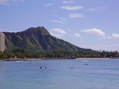 Diamond Head, Hawaii Went there in beautiful trip Hawaii Hikes, Oahu Hawaii, Diamond Head Hawaii, Us Honeymoon Destinations, Fairmont Chateau Lake Louise, Visit Hawaii, Waikiki Beach, Best Hikes, What A Wonderful World