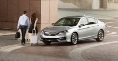 The sophisticated technology and sleek design of the 2017 Honda Accord Hybrid gets you there in style. EX-L model shown.