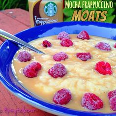 Mocha Frappucinno Moats  #Moats are what I call oats drowned in liquid! Usually I use almond milk, but today was a special day!  ✳️Vanilla Proats topped with @Starbucks ☕️#MochaFrappuccinoLight and ❄️❄️Frozen Raspberries
