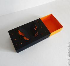 Коробки на заказ малым тиражом! Коробка-пенал с объемной бабочкой на крышке.