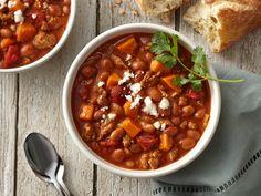 Learn how to make delicious Sweet Potato and Chorizo Chili. Bean Recipes, Chili Recipes, Chorizo Sausage, Cauliflower Pizza, Mexican Dishes, Soups And Stews, Sweet Potato, Side Dishes, Beans