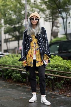 Tokyo Fashion Week Spring 2018 Street Style- crfashionbookYou can find Tokyo fashion and more on our website. Japanese Fashion Trends, Japanese Street Fashion, Tokyo Fashion, Harajuku Fashion, Fashion Outfits, India Fashion, High Fashion, Tokyo Street Style, Spring Street Style