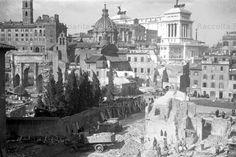 : Demolizioni delle case tra Via Alessandrina e Via Cremona al Foro di Augusto e al Foro di Nerva per l'apertura di Via dell'Impero Anno: Febbraio 1932