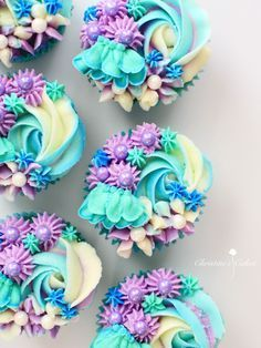 Frosting Für Cupcakes, Frosting Flowers, Fancy Cupcakes, Mermaid Cupcake Cake, Cupcake Art, Cupcake Cakes, Wilton Cakes, Cupcakes Flores, Vanille Cupcakes