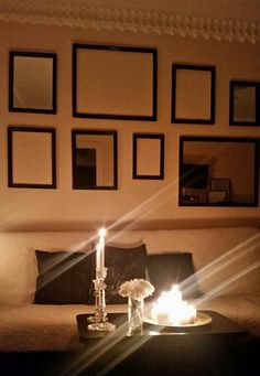 Living room / Gallery wall / Candles / Cushions