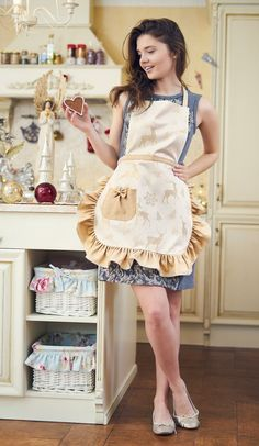 Washing Clothes, Diy Clothes, Cute Aprons, Flirty Aprons, Ruffle Apron, Christmas Aprons, Sewing Aprons, Apron Designs, Aprons Vintage