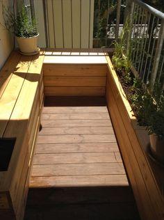 sitzbank mit pflanzgef en von nelka auf balkon nelka. Black Bedroom Furniture Sets. Home Design Ideas