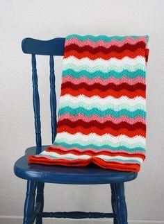 Crochet baby blanket ripple: green, pink, red, orange, white