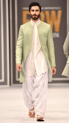 Intricately embroidered bandgala Nehru coat with coordinated peach kurta. Pastel outfit inspiration for Indian groom. Sherwani For Men Wedding, Wedding Dresses Men Indian, Wedding Outfits For Groom, Sherwani Groom, Wedding Dress Men, Wedding Jacket, Mens Sherwani, Kurta Pajama Men, Kurta Men
