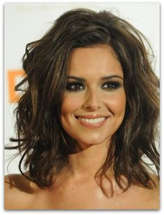 bobs are in. whether long or short! Love this long one with the layers!