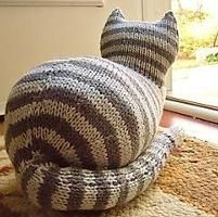 Knitting: The Parlor Cat
