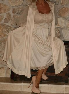 "M PRETTY  NYLON VINTAGE ""ARTEMIS"" LINGERIE NIGHTGOWN / PEIGNOIR / ROBE SET #Artemis #RobeGownSets"