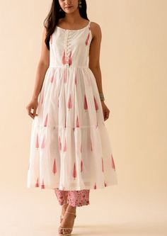 Pink Leaf BlockPrint Strappy Kurta with Roseate Palazzo Pant Simple Kurta Designs, Kurta Designs Women, Blouse Designs, Latest Kurti Designs, Printed Kurti Designs, Dress Indian Style, Indian Dresses, Indian Outfits, Cotton Dress Indian
