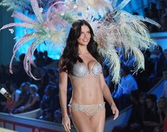 VICTORIA SECRET'S Most Expensive Fantasy Bras - Victoria Secret is well-known for the sensuality of the underwear's the brand creates. Adriana Lima Victoria Secret, Victoria Secret Bras, Shanghai, Fashion News, Fashion Models, Brazilian Supermodel, Fantasy Bra, Victoria's Secret, Underbust Corset