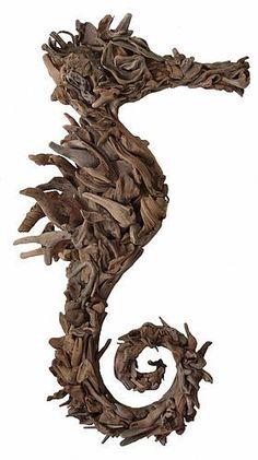 HomelySmart 15 Driftwood Sculptures That Will Blow Your Mind - HomelySmart Driftwood Seahorse, Driftwood Sculpture, Driftwood Art, Aquarium Driftwood, Horse Sculpture, Driftwood Projects, Driftwood Ideas, Deco Nature, Beach Crafts