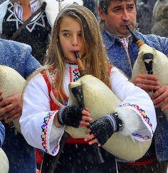 Bulgarian girl in traditional costume Assen Velikov photography