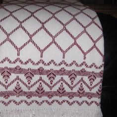 Swedish weaving cloth I have made Weaving Designs, Weaving Projects, Embroidery Patterns, Hand Embroidery, Crochet Patterns, Free Swedish Weaving Patterns, Huck Towels, Swedish Embroidery, Monks Cloth