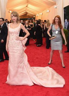 Taylor Swift Photos - Red Carpet Arrivals at the Met Gala — Part 3 - Zimbio