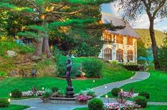 Vermont...Photos of Castle Hill Resort And Spa, Cavendish - Resort Images - TripAdvisor http://www.tripadvisor.com/Hotel_Review-g57208-d601540-Reviews-Castle_Hill_Resort_And_Spa-Cavendish_Vermont.html Address: 2910 State Route 103,Junction Routes 103 & 131,Cavendish,VT05142
