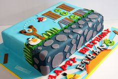 Angry Birds Cake rectangle would be cool in minecraft! Angry Birds Birthday Cake, Bird Birthday Parties, Birthday Decorations, Birthday Cakes, Fancy Cakes, Cute Cakes, Cake Decorating Supplies, Cookie Decorating, Cumpleaños Angry Birds
