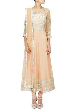 Peach gota applique detail kurta set BY SHEHLA KHAN. Shop now at perniaspopupshop.com #perniaspopupshop #clothes #womensfashion #love #indiandesigner #shehlakhan #happyshopping #sexy #chic #fabulous #PerniasPopUpShop #ethnic #fun
