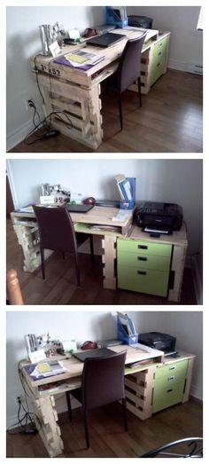 #Office, #OfficeFurniture, #PalletDesk, #RecyclingWoodPallets Writing desk for my house (or Office) made with recycled pallets wood.   Bureau pour la maison (ou affaires) réalisé en bois de palettes.