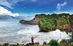 Ngeden Beach, Gunungkidul, Yogyakarta, Indonesia Pict IG by: davidnuryahya www.rentmotorjogja.com