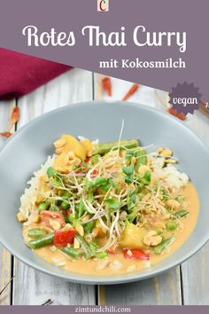 ROTES THAI-CURRY MIT KOKOSMILCH - EINFACH, LECKER, VEGANKnackiges Gemüse, würziger Ingwer, Kartoffeln und Erdnüsse - das ist mein rotes Thai-Curry mit Kokosmilch. Das Rezept ist einfach und vegan. Gemacht mit einer veganen Paste für rotes Curry - mit Link zum Rezept. #ThaiCurryRezept #rotesThaiCurry #Gemüsecurry #ThaiCurrymitKokosmilch #ThaiCurrymitGemüse #einfacheRezepte #veganeRezepte #asiatischeRezepte #ThailändischeRezepte #Currygerichte #asiatischeGerichte #ThaiGerichte #AbendessenRezept Thai Red Curry, Chili, Ethnic Recipes, Thai Dishes, Vegetarian Side Dishes, Healthy Recipes, Vegan Lunches, Chile, Chilis