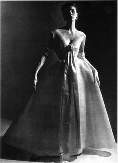 suzy parker in la joinie satin   Shantung-1952