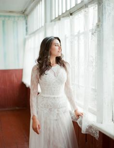 classic bride классический образ невесты Love Story, Bride, Wedding Dresses, Fashion, Wedding Bride, Bride Gowns, Wedding Gowns, Moda, Bridal